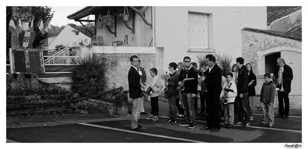 Le 11 Novembre 2011 au village Img_8859---copie-2ea01ed